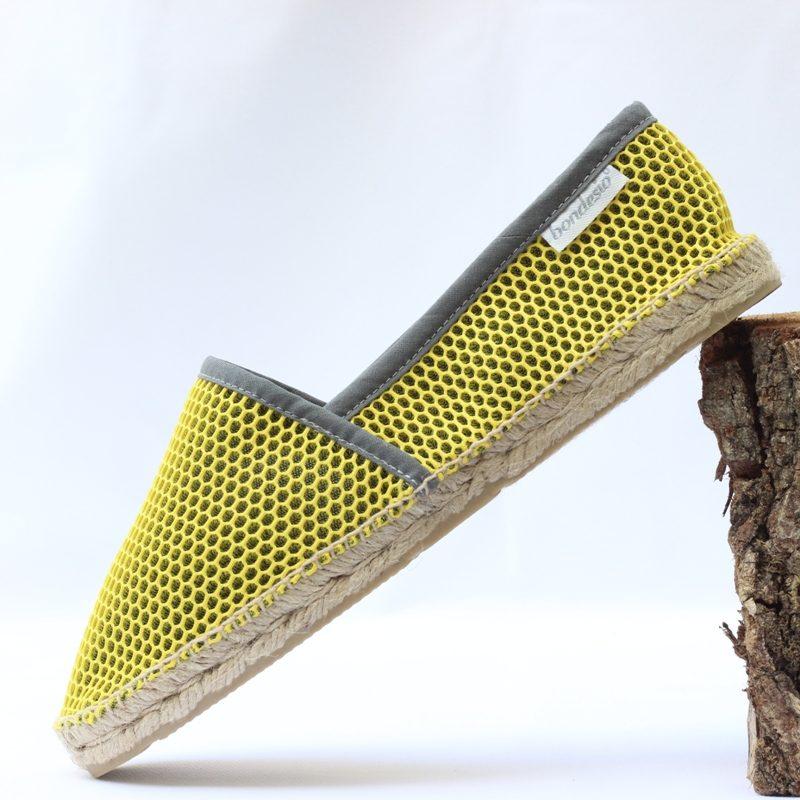 Alpargata Brisa plana amarillo-marengo de Bondesio hecho a mano