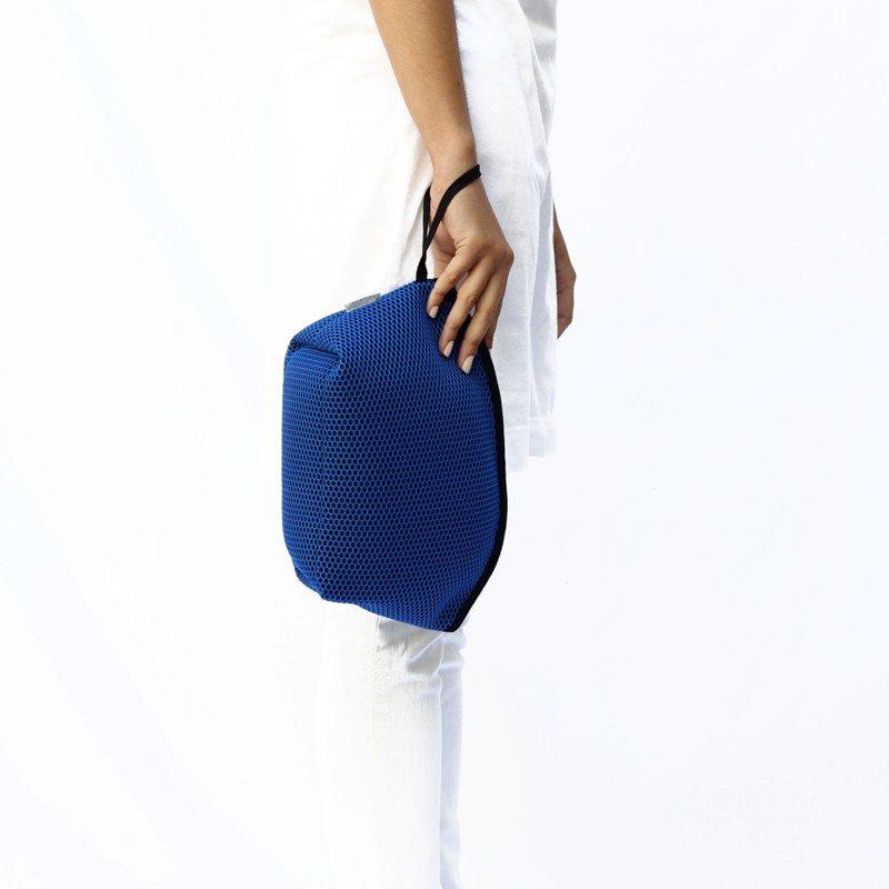 Neceser Brisa azul klein-negro de Bondesiobebe