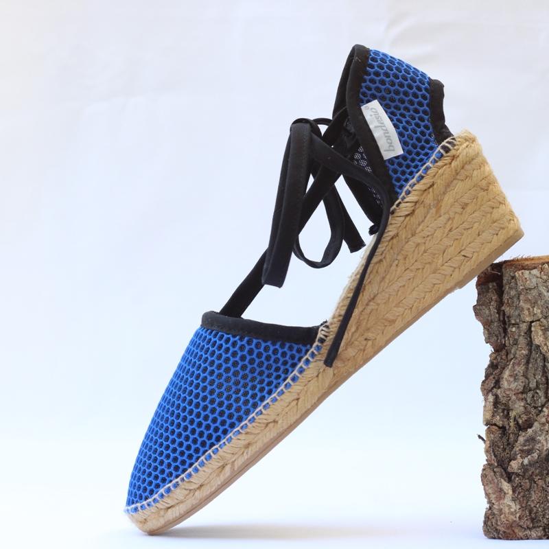 Sandalia Brisa cuña 5 azul klein-negro de Bondesio