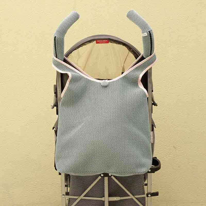 Bolso Camiseta azul para silla de paseo tipo Maclaren confeccionado en tejido transpirable