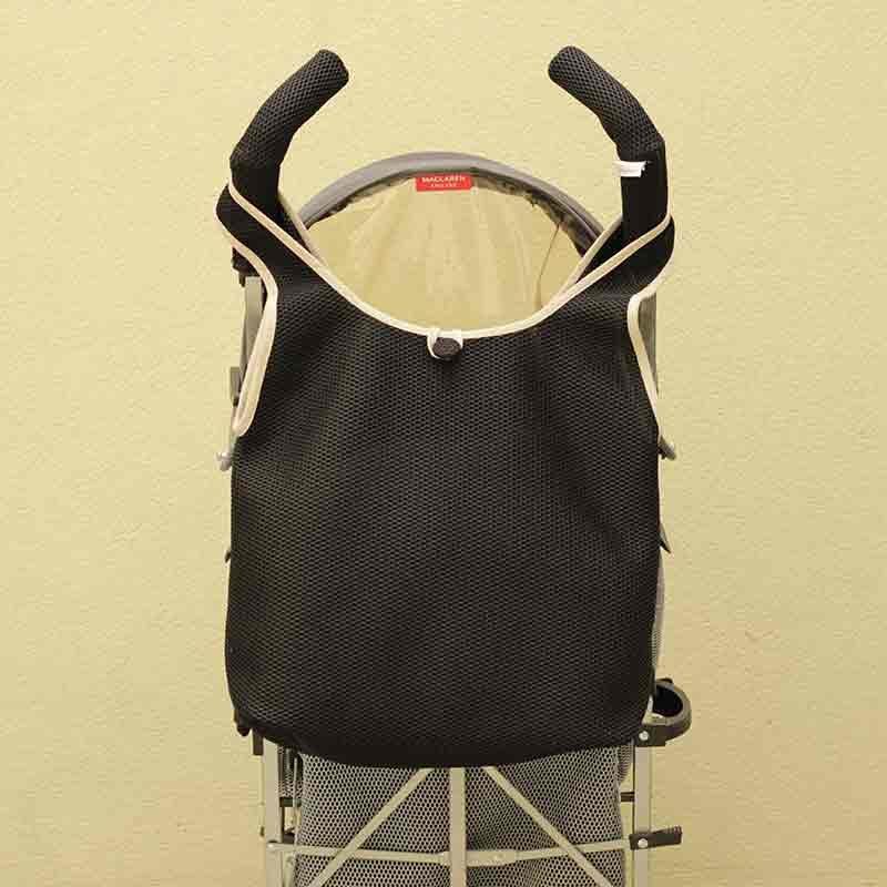Bolso Camiseta negro para silla de paseo tipo Maclaren confeccionado en tejido transpirable