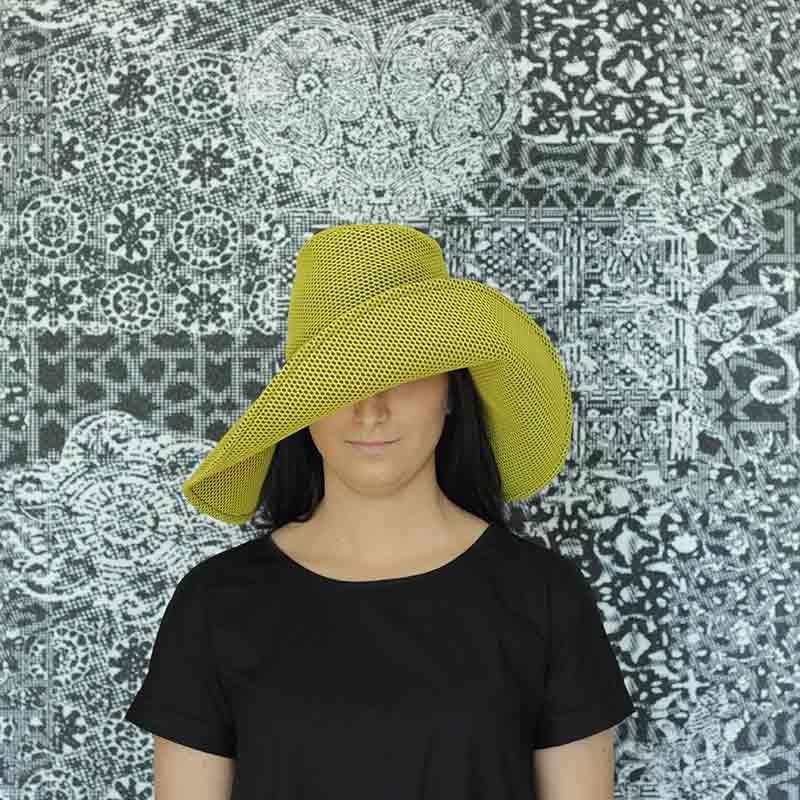 Paloma Brisa amarilla diseño propio confeccionada en tejido transpirable