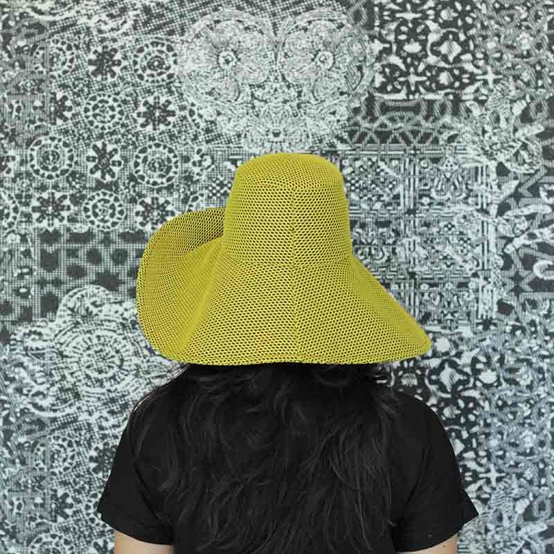 Pamela Brisa amarilla diseño propio confeccionado en tejido transpirable