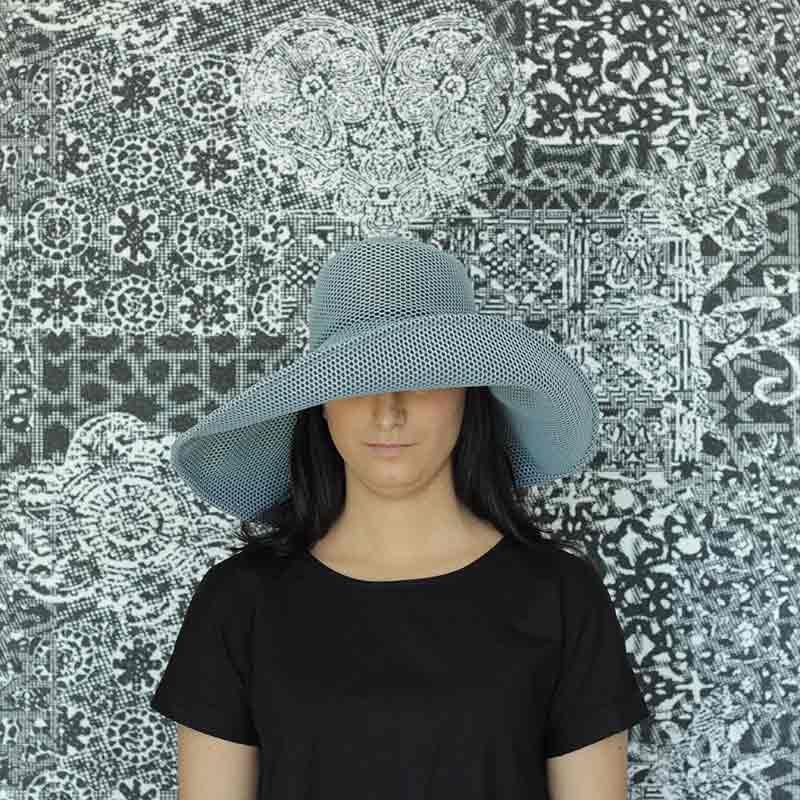 Pamela Brisa azul diseño propio confeccionado en tejido transpirable