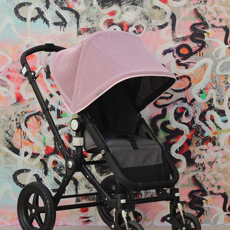 Capota Igloo transpirable rosa extendida con cremalleras cerradas