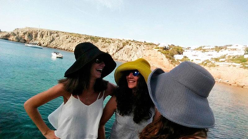pamelas Brisa en Menorca. Transpirables y ligeras, te protegerán del sol.