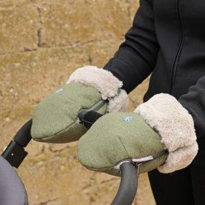 Guantes carro bebe bordados a mano y confeccionados por Bondesio