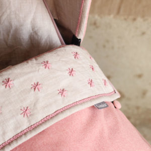Saco silla bebe confeccionado y bordado a mano por Bondesio