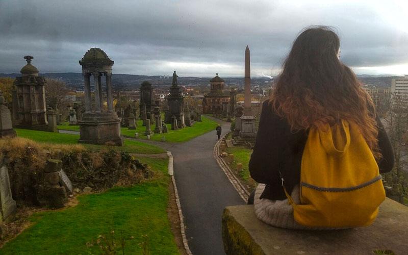 Mochila First de Bonesio en la necropolis de Glasgow