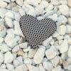 Pin corazón brisa beige de Bondesio