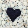 Pin corazón brisa negro de Bondesio