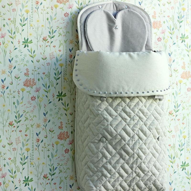Saco Bob diseñado, confeccionado y bordado a mano por Bondesio