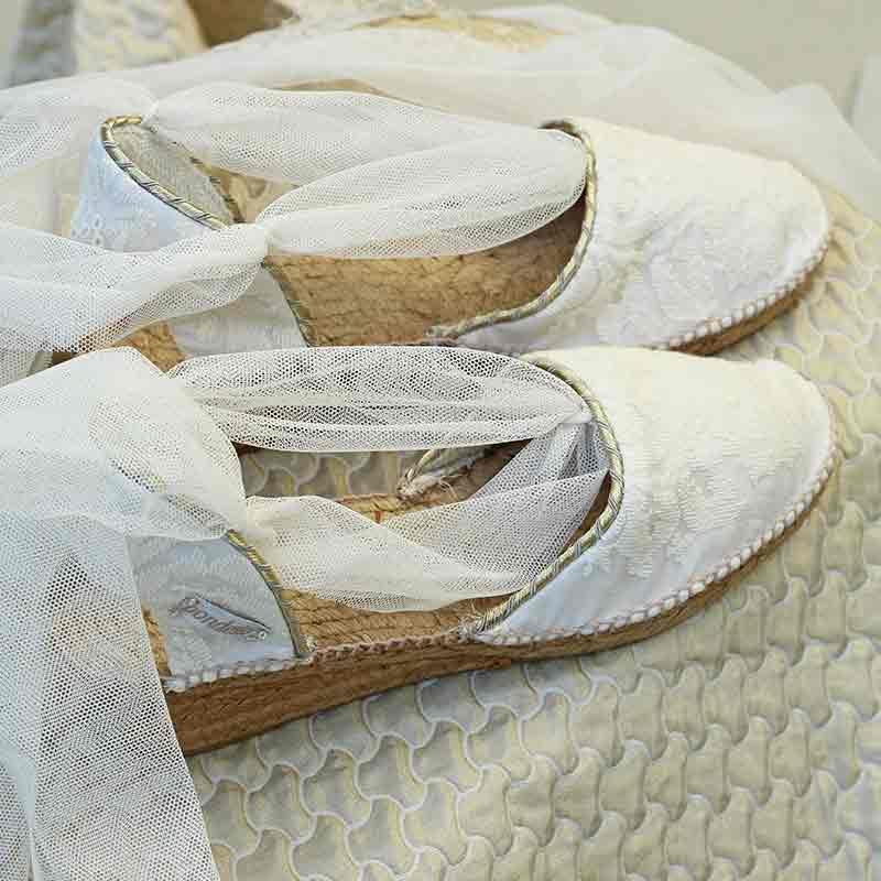 Alpargatas Novia confeccionadas artesanalmente por Bondesio