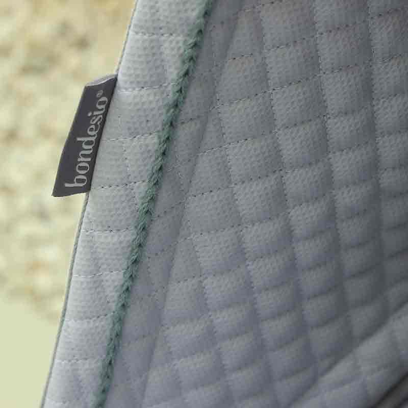 Detalle capota para Bugaboo hecha a medida y bordada a mano por Bondesio