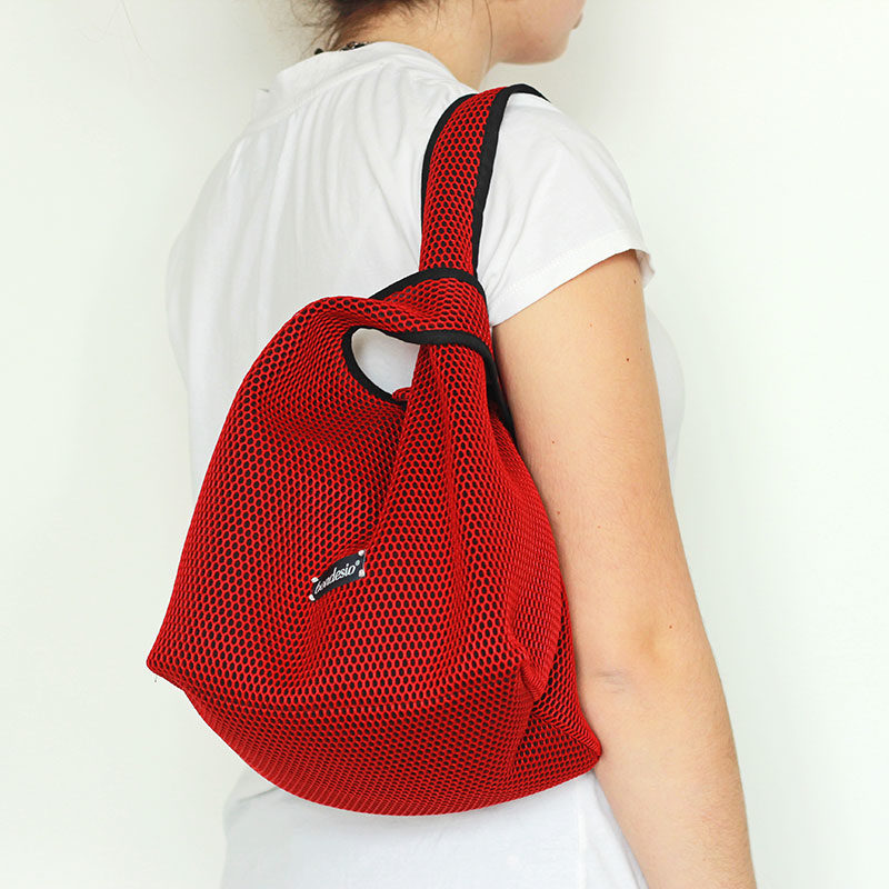 bolso rojo transpirable