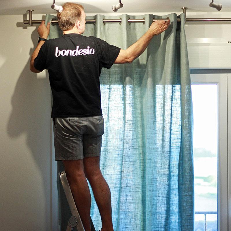 colocación cortina realizada por personal propio de Bondesio