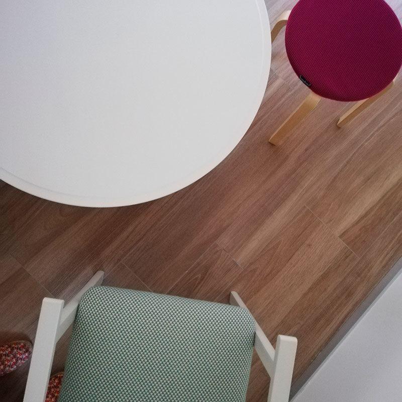 mesa y taburete