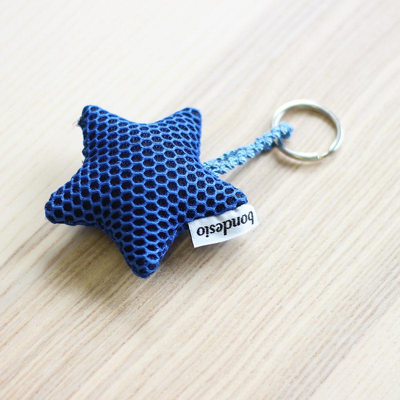 llavero estrella azul
