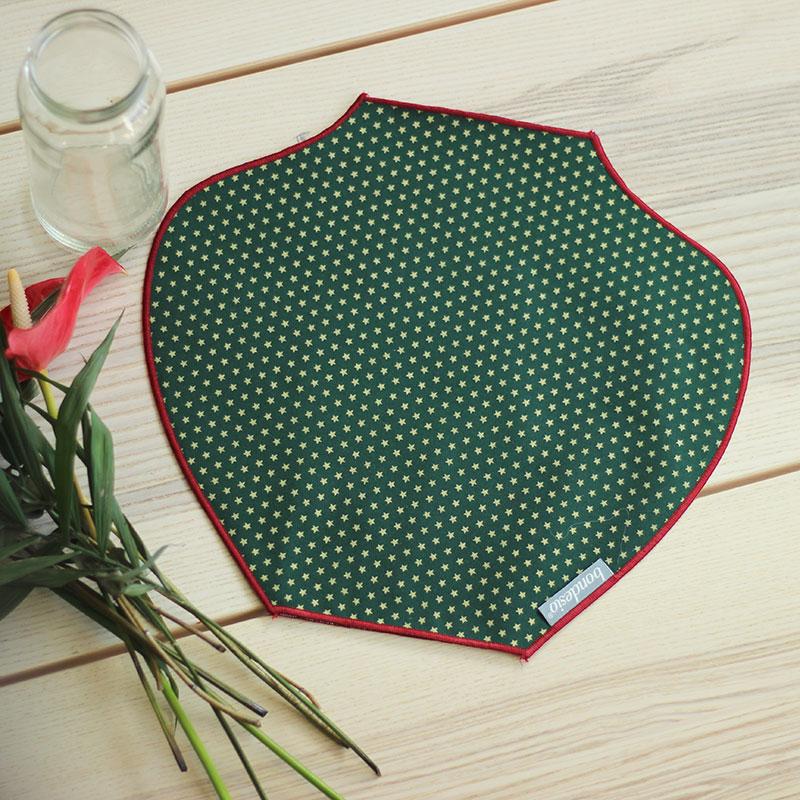 jarrón de tela verde