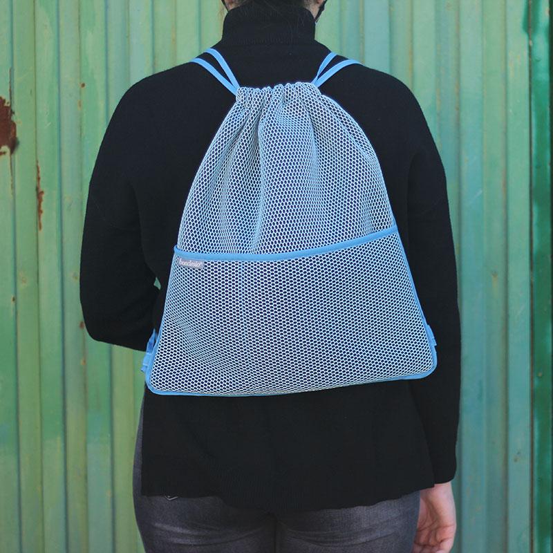 mochila transpirable azul